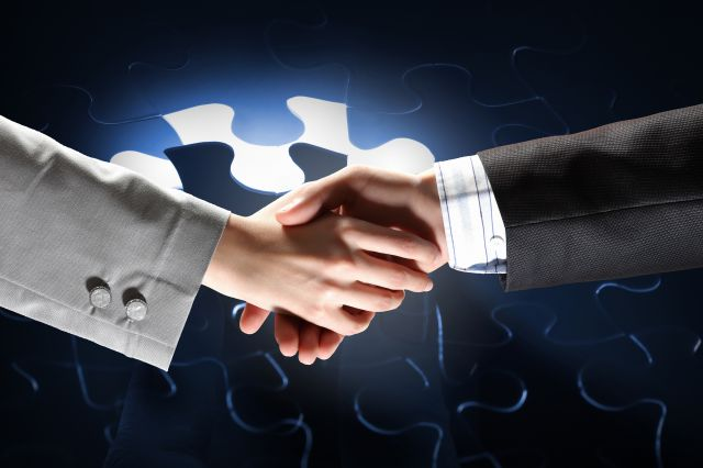handshake-business-puzzle_z
